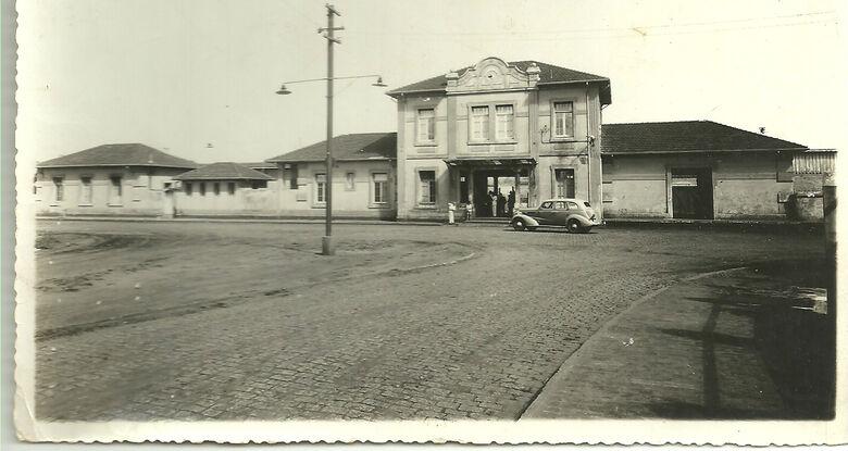 Em outubro de 1914, foi oficialmente inaugurada em Campo Grande a Estrada de Ferro Noroeste do Brasil no antigo Mato Grosso -