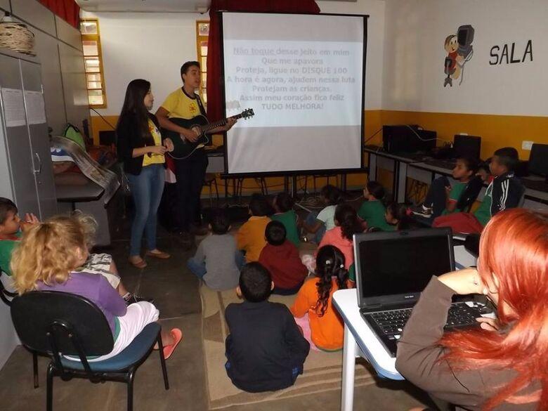 Cerca de 180 alunos participaram esta semana de um ciclo de palestras oferecido pelo Creas -