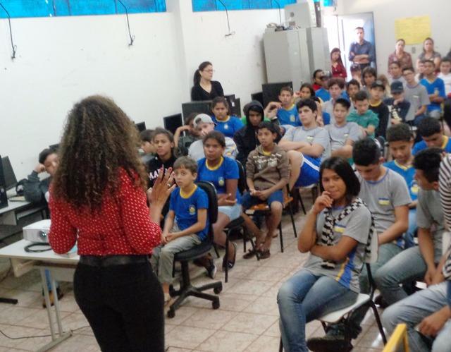 Délia Razuk implanta núcleo psicopedagógico na Rede Municipal de Ensino -