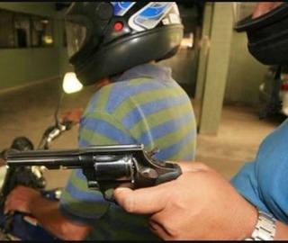 Bandido assalta douradense às 13h próximo ao shopping -