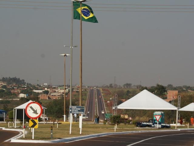 Dupla é presa levando carros roubados para Ponta Porã -