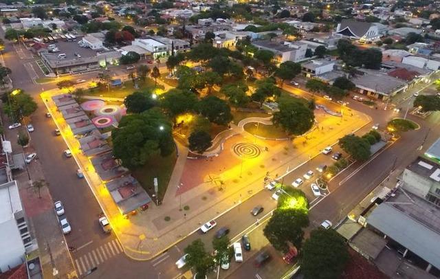 Praça Coronel Valêncio de Brum volta a ser um ponto de encontro para as famílias amambaienses. - Crédito: Foto: Divulgação