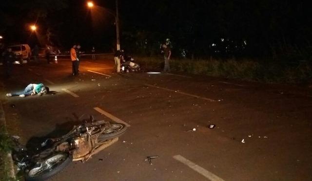 Com o forte impacto, os dois morreram no local - Foto: Cido Costa -