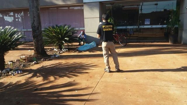 Em Dourados, homem foi assassinado a tiros em calçada na Avenida Marcelino Pires foto -Cido Costa -