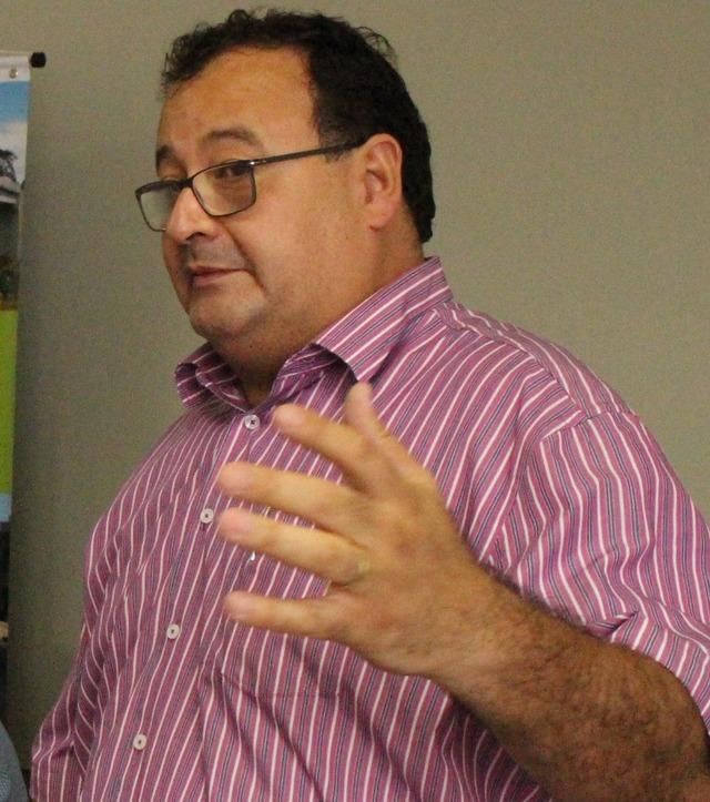 Prefeito de Amambai, Dr. Bandeira, decreta de emergência e a suspende do transporte escolar. - Crédito: Foto: Vilson Nascimento