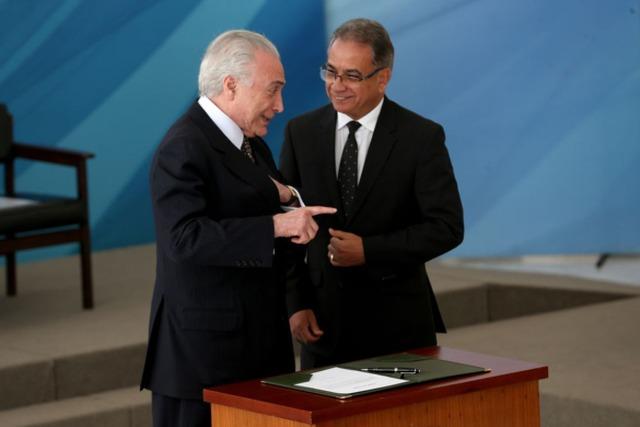 Um ano depois de pedir renúncia de Temer, Ronaldo Fonseca vira ministro do presidente -