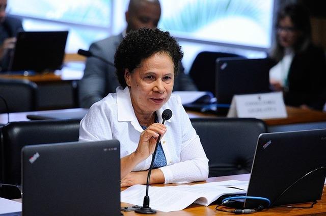 Atendendo a uma preocupação dos produtores de mel, a relatora, senadora Regina Sousa - Crédito: PT-PI