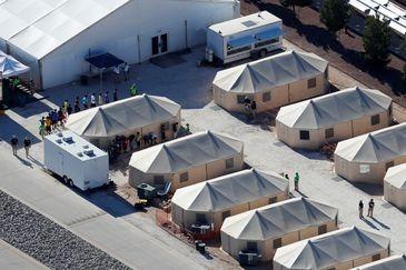 Temer se dispõe a mandar buscar crianças brasileiras retidas nos EUA -