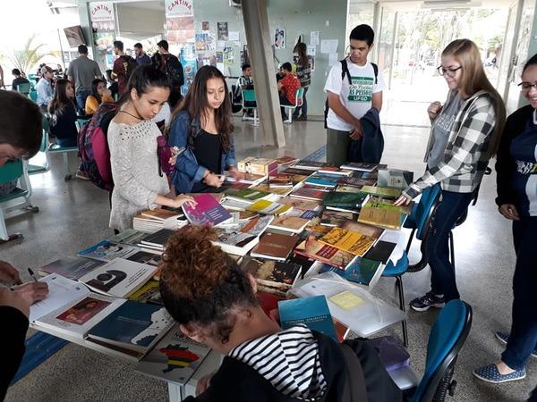 Objetivo da Editora com a sua realização é fazer com que as obras produzidas pela UFGD cheguem à comunidade  -