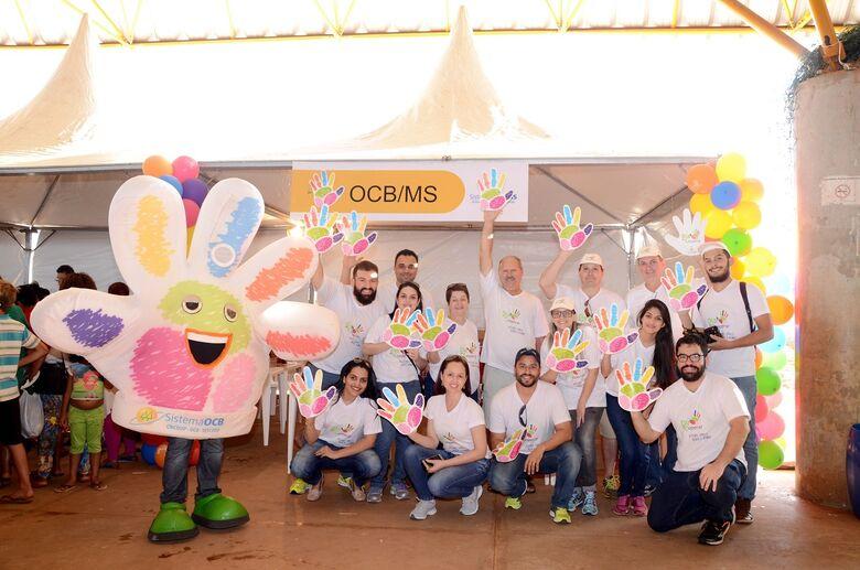 Dia de Cooperar  Cooperativas colocam a mão na massa por um Brasil mais feliz -