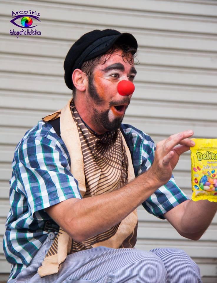 Espetáculo do palhaço Challito acontece nesse fim de semana no Sucata Cultural - Crédito: Divulgação