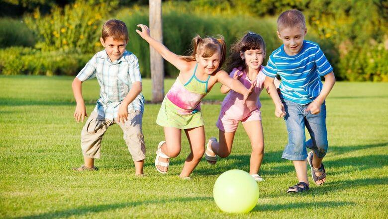 Crianças de férias, 10 dicas para diverti-las sem gastar -