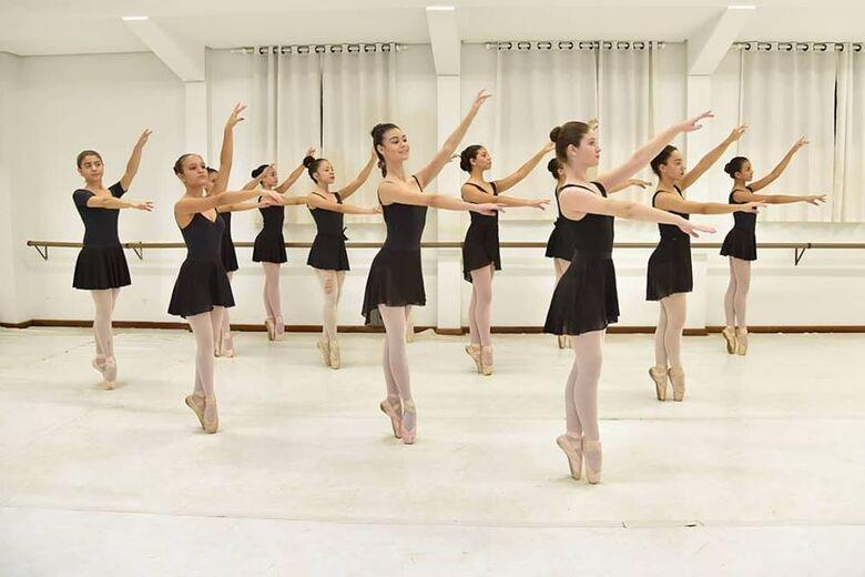 Studio Blanche Torres apresenta espetáculos em Dourados -