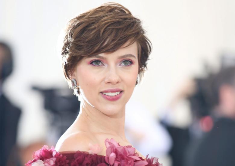 Scarlett Johansson recebe críticas após ser escalada para viver homem trans -