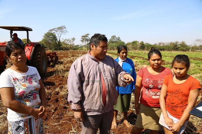 O indígena Claudio Spindola comemora oportunidade de aumentar a renda da família com o programa Terra Produtiva - Crédito: A. Frota