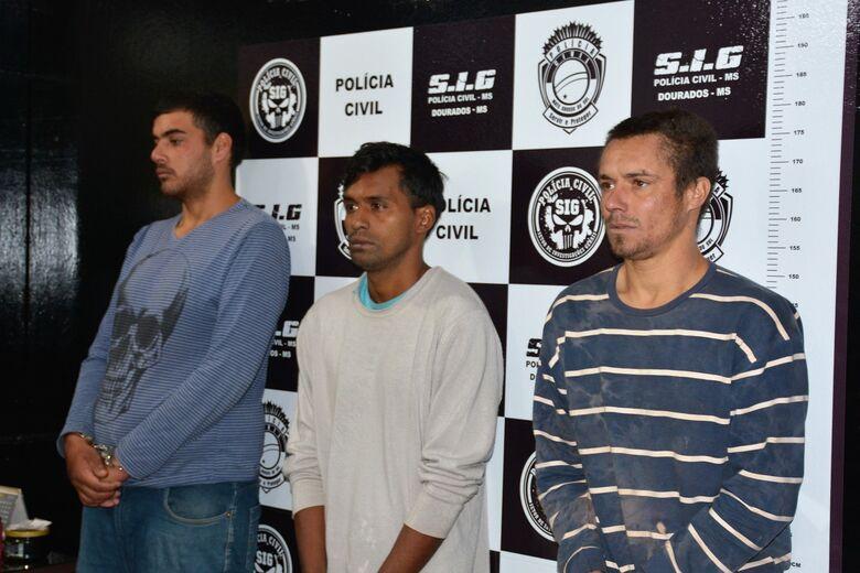 Polícia Civil apresenta acusados de matar cabelereiro em Dourados - Crédito: Hedio Fazan