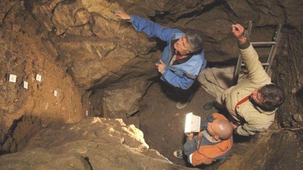 Menina das cavernas de 50 mil anos atrás tinha pais de espécies humanas diferentes, mostra DNA - Crédito: B VIOLA, MPI-EVA