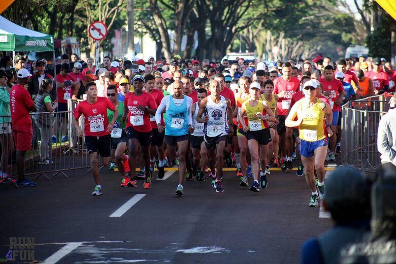 Largada da Meia Maratona do Fogo de 2017 - Crédito: Divulgação/Run4Fun