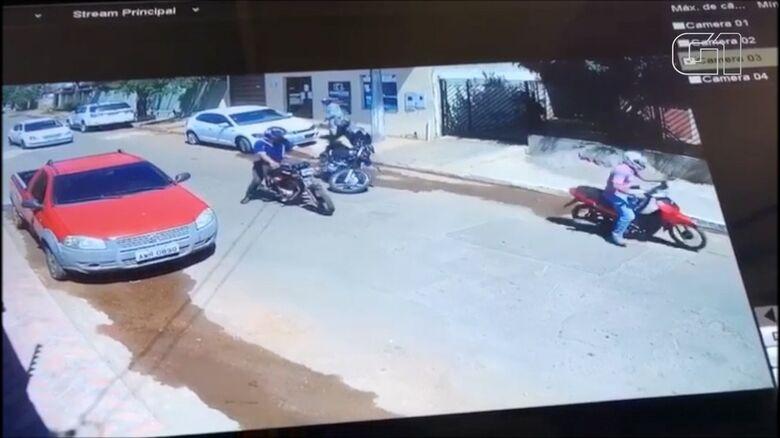 Homem foi abordado por bandido que estava com uma arma de fogo - Crédito: Divulgação/PM