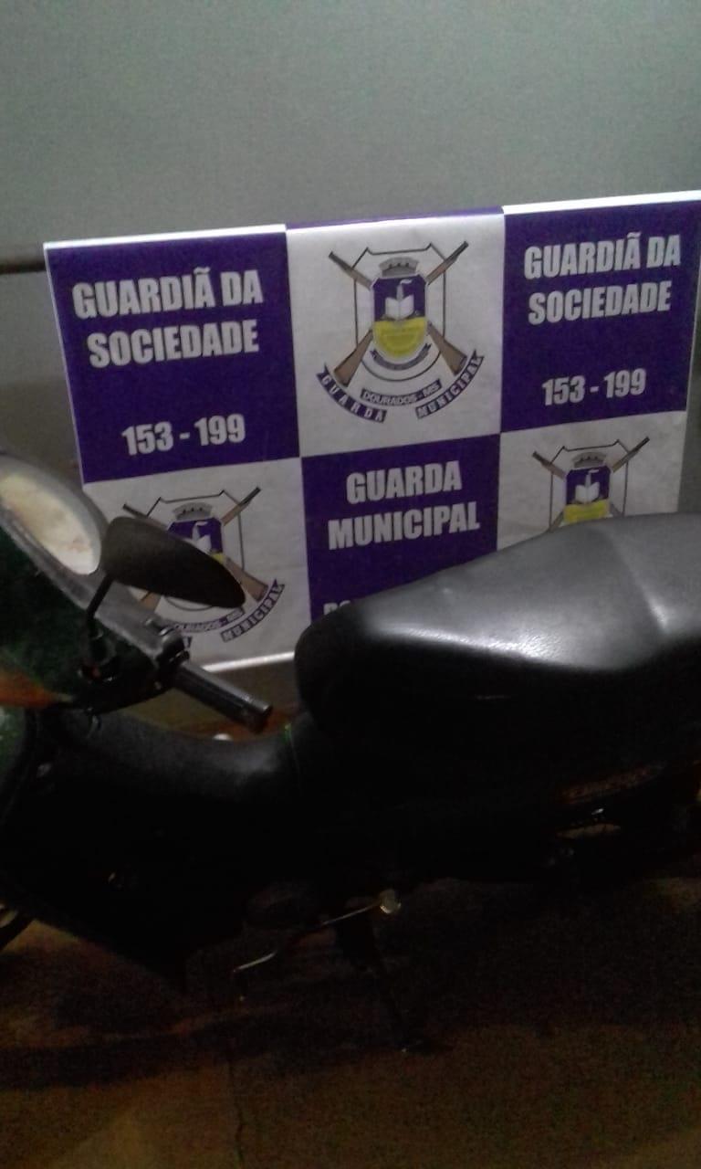 Guarda Municipal recupera moto roubada - Crédito: Divulgação/GM Dourados