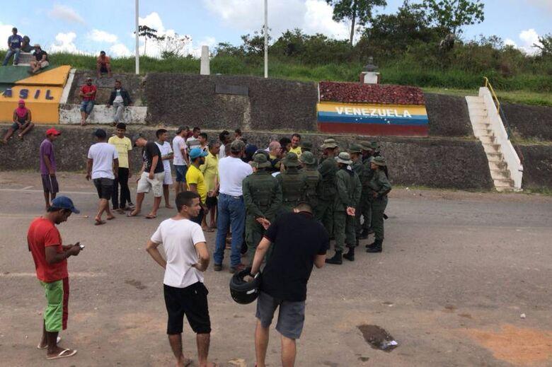 Em onda de violência, imigrantes venezuelanos são expulsos depois de assalto em Roraima - Crédito: Julio Carvalho
