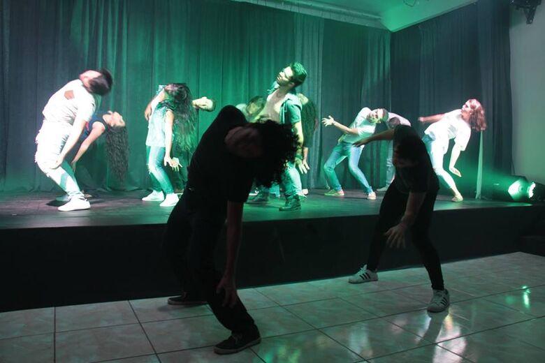 """Sábado  tem peça teatral """"o que  se leva da vida é a vida que se leva"""" no Teatro Municipal - Crédito: Divulgação"""