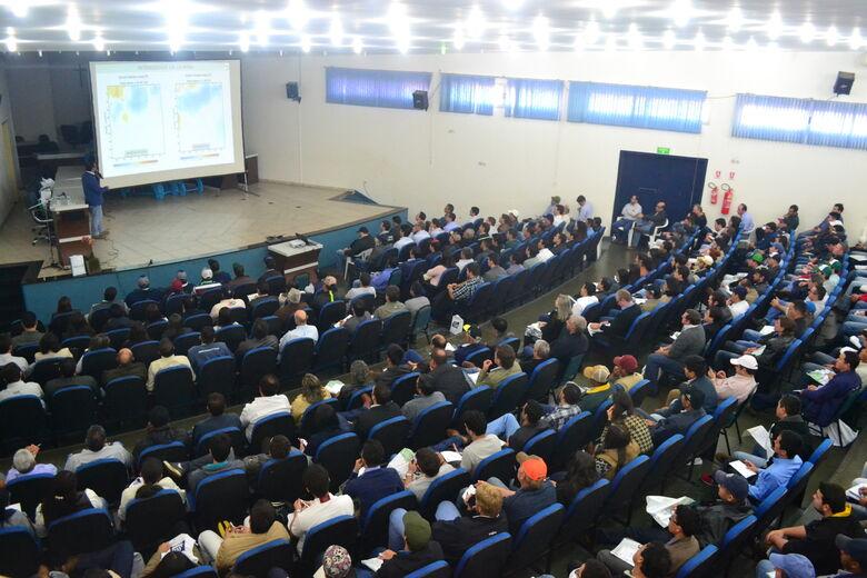 Simpósio traz palestra sobre alta produtividade da soja - Crédito: Divulgação