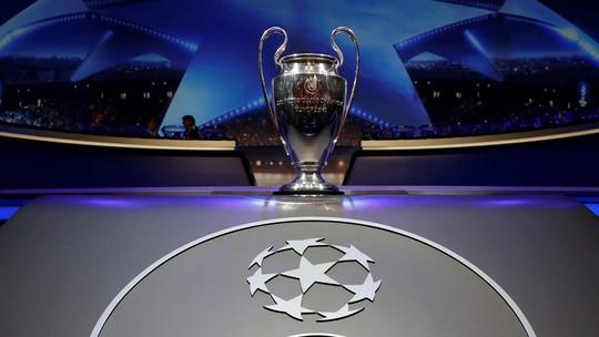 Tão cobiçada taça da Champions abrilhantou a decoração - Crédito: Divulgação