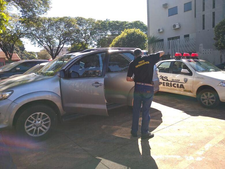 Perito colheu digitais no veículo e polícia investiga autoria da ação - Crédito: Cido Costa