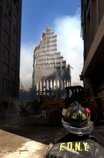 A série de ataques de 11 de Setembro completa 17 anos - Crédito: U.S. Navy Photo by Photographer's Mate 2nd Class Jim Watson