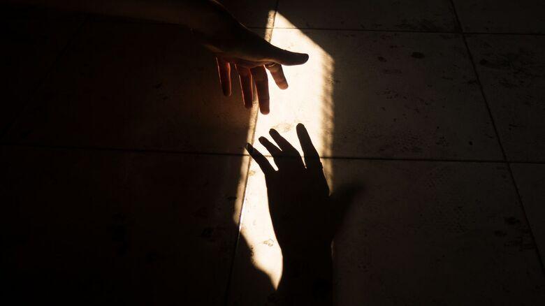 Setembro Amarelo: Empatia, amizade e estar disposto a ouvir o outro pode salvar vidas - Crédito: Aakshay-Paatil/Unsplash