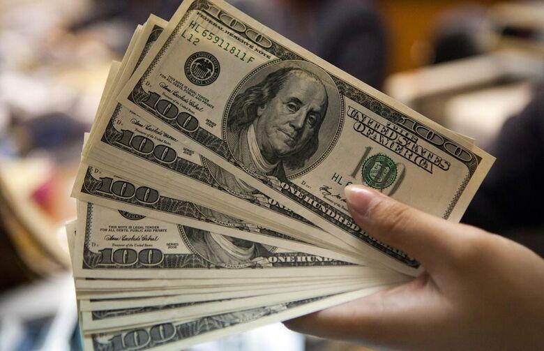 Dólar fecha na maior cotação desde a instituição do real como moeda brasileira -