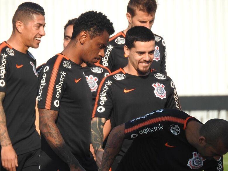 Escalação de Fagner é a mais nova polêmica levantada pelo clube carioca - Crédito: Divulgação/Marcelo Braga