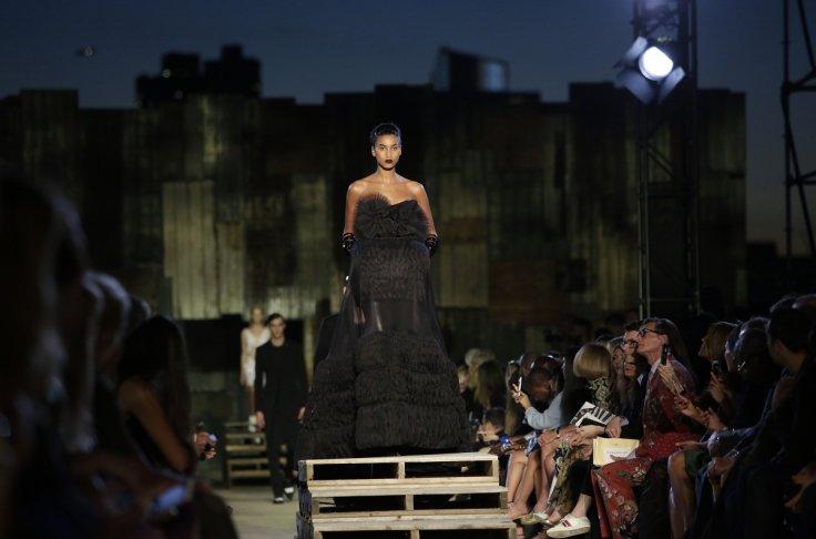 Fashion Week de Nova York dá início a mês de desfiles globais - Crédito: Joshua LOTT/AFP/Getty Images