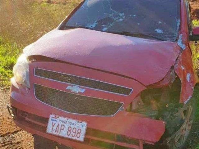 Carro foi encontrado com marcas de tiros e a polícia foi acionada - Crédito: Divulgação