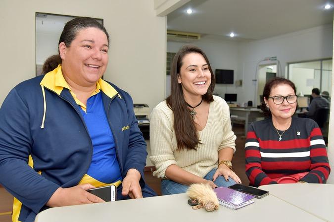 Voluntárias coletam cabelos para doar perucas às pacientes de câncer - Crédito: Marcos Ribeiro