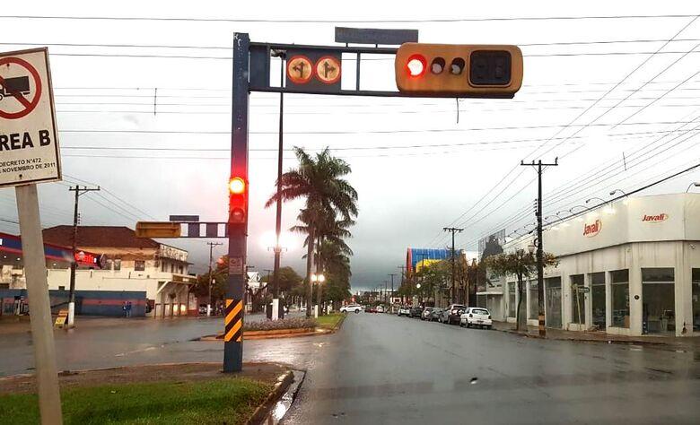 Dourados já registrou 40 milímetros de chuva nesta quarta-feira - Crédito: Luiz Radai