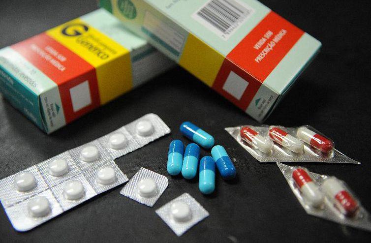 Dor de cabeça pode ser causada por abuso de analgésico, alerta médico - Crédito: Arquivo