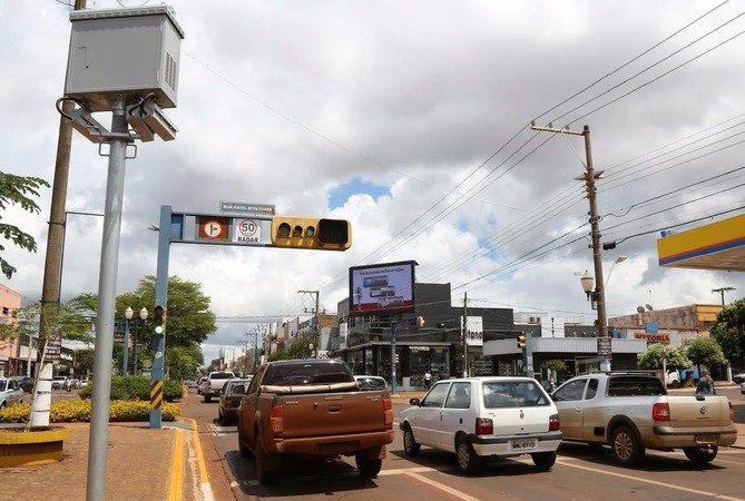 Dourados é a primeira cidade do interior a parcelar as dívidas de seus veículos nos cartões de crédito -