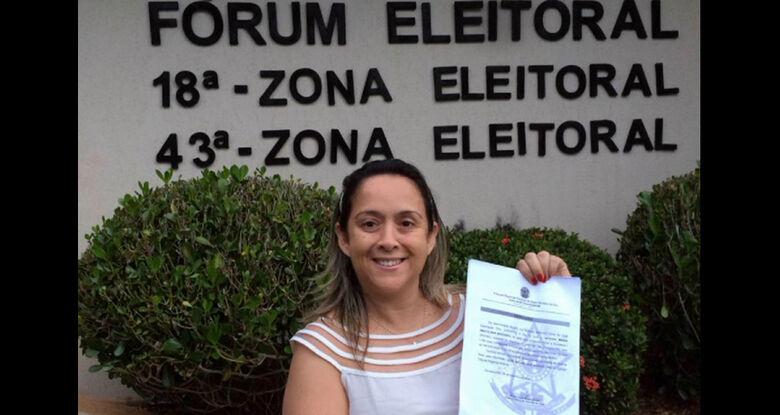 Jornalista Lia Nogueira toma posse hoje na Câmara de Dourados - Crédito: Reprodução Internet