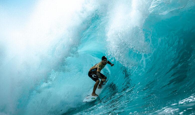 Gabriel Medina é bicampeão mundial de surfe - Crédito: WSL / ED SLOANE