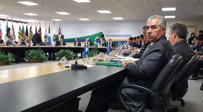 Documento entregue por Reinaldo Azambuja a Sérgio Moro tem 21 propostas para segurança do País - Crédito: Clodoaldo Silva