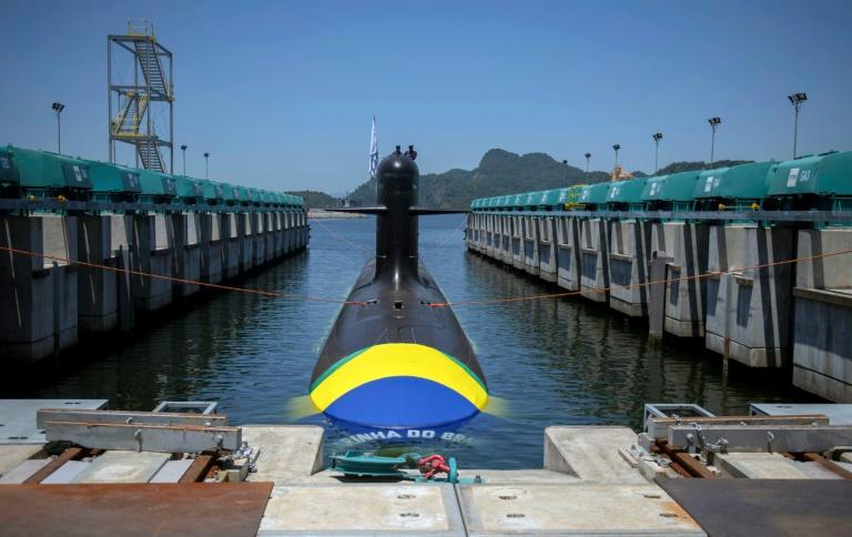 Primeiro submarino brasileiro com tecnologia francesa é lançado - Crédito: AFP / Mauro Pimentel