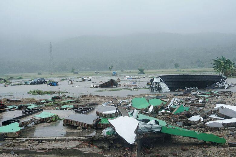 Indonésia eleva para 430 o número de mortos pelo tsunami -