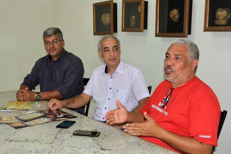 Organizadores da Congrafas Humberto Luiz, Munir Hajj e Vitor Rojas durante visita ao O Progresso - Crédito: Flávio Verão