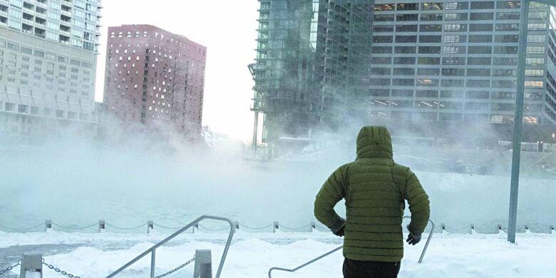 Uma forte massa de ar do Ártico trouxe um frio severo na região do meio-oeste - Crédito: Divulgação