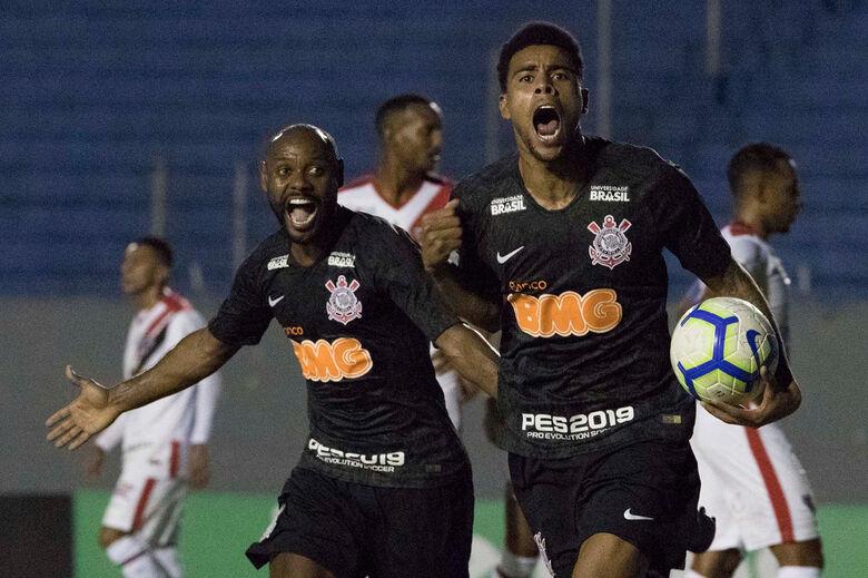 Gustagol marcou os dois gols no empate contra o Ferroviário-CE - Crédito: Daniel Augusto Jr. / Agência Corinthians