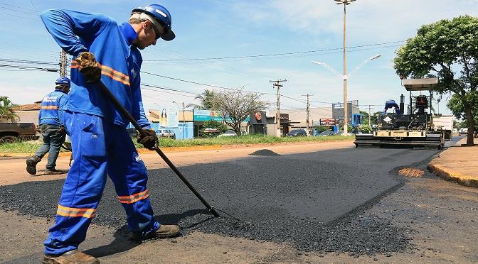 Principal avenida douradense recebe melhorias por parte do Governo do Estado - Crédito: Edemir Rodrigues
