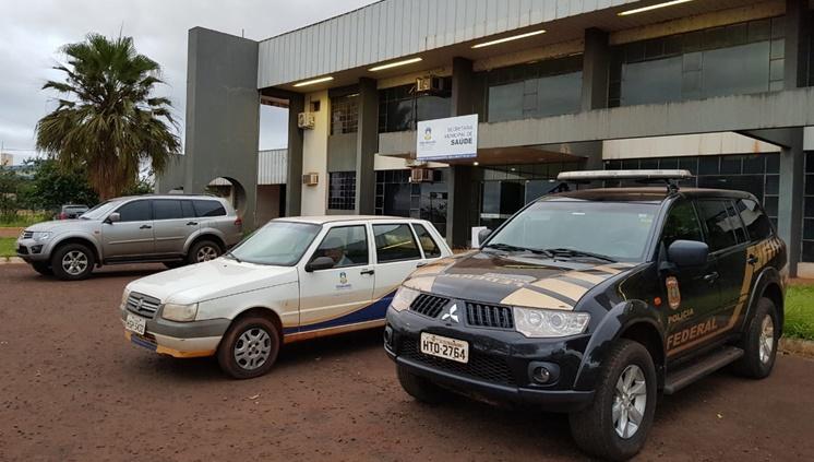 Polícias estão na secretaria de saúde cumprindo mandados - Crédito: Divulgação/PF