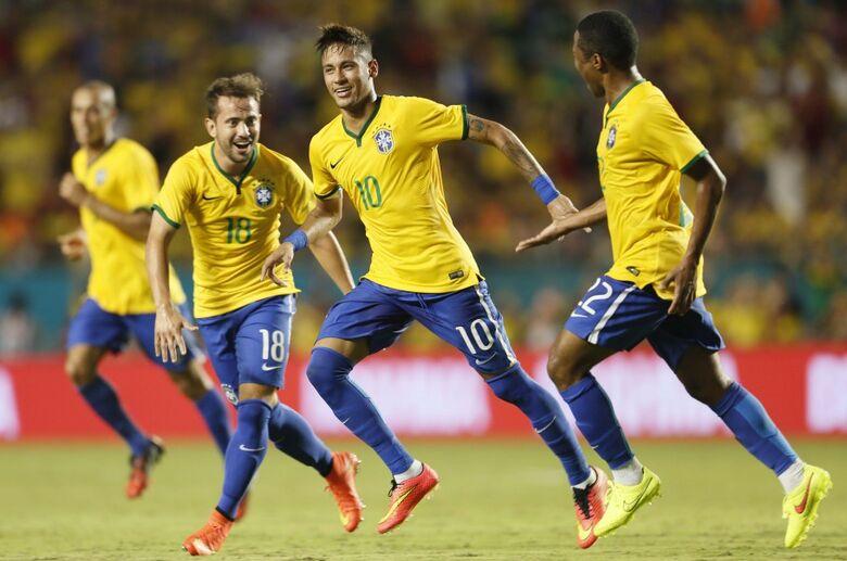 Neymar comemora gol contra a Colômbia - Crédito: Rafael Ribeiro / CBF